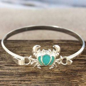 Jewelry - Silvertone Sea Glass Crab Bracelet